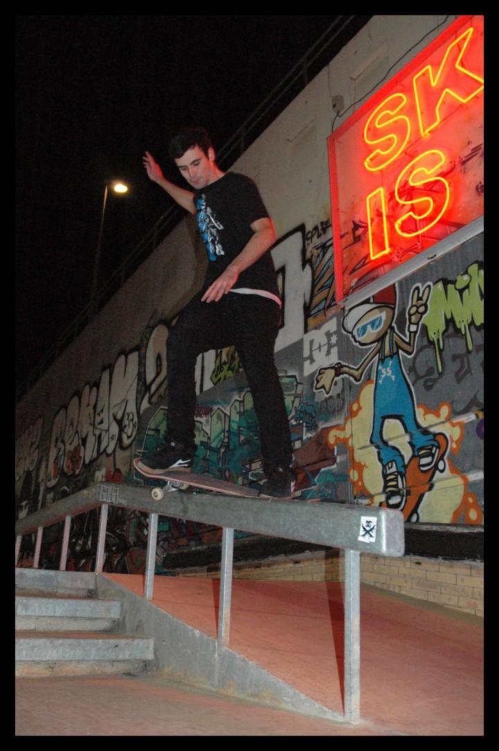 Jutix - smith front skatepark de la friche à Montpellier