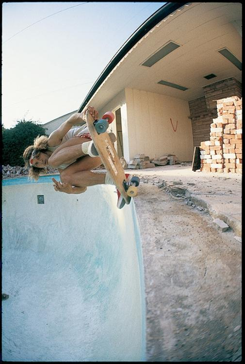 Tony Alva - blunt nose grab - CA 1977