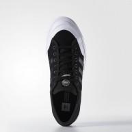 adidas-matchcourt-chaussures-de-skate-black-white-1