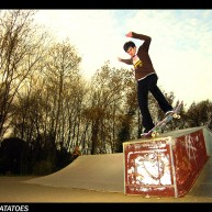 Jutix - Backside bluntslide on st Thibery skatepark ledge