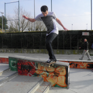 Jutix - backtail au skatepark Salon de Provence