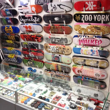decks-wall-boardshop-beziers-magasin-de-skate